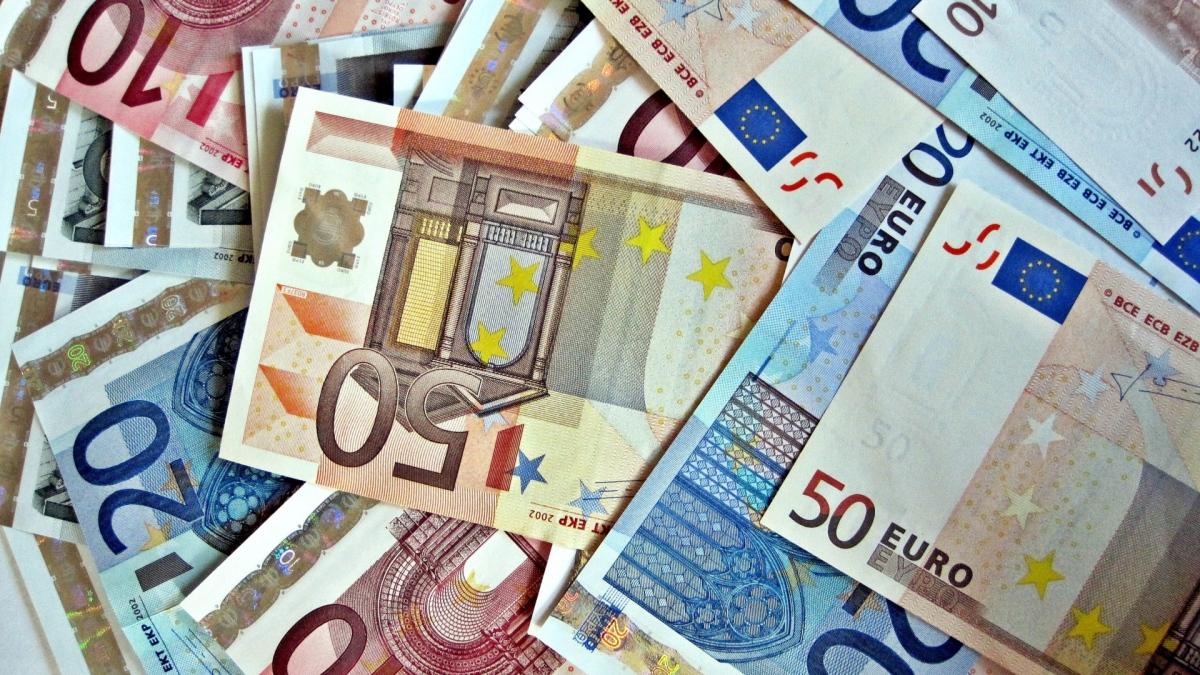 jak sfinansować TWOJE studia za granicą?