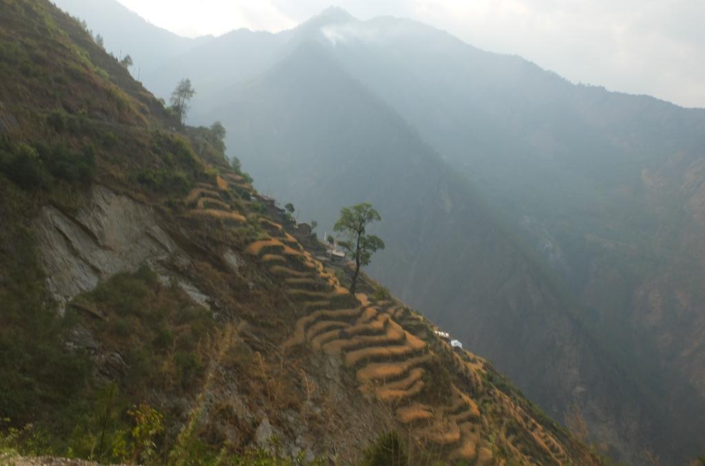road to Syabrubesi